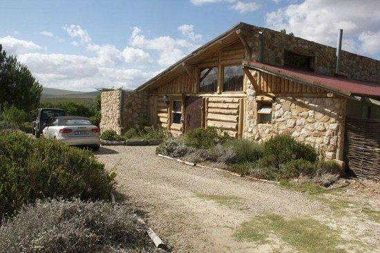 KolKol Mountain Lodge: Outside King Cabin