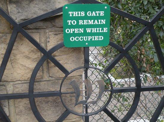 Winchester Mystery House: A weird sign for a weird place!