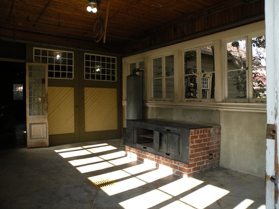 inside the car wash shed picture of winchester mystery house san jose tripadvisor. Black Bedroom Furniture Sets. Home Design Ideas