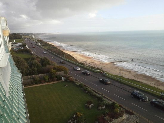 Hallmark Hotel Bournemouth East Cliff: View to Boscombe Pier