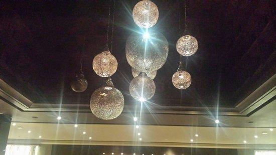 Hotel Riu Palace Tikida Agadir : Decorations in reception lobby