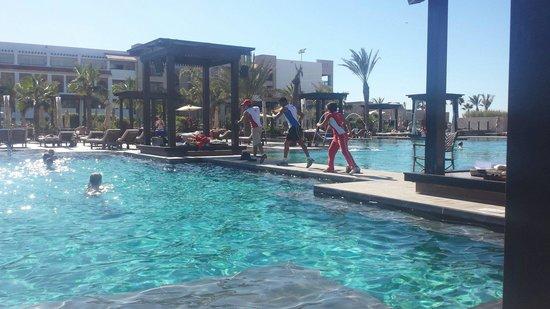 Hotel Riu Palace Tikida Agadir : Lunchtime aquafit in the pool