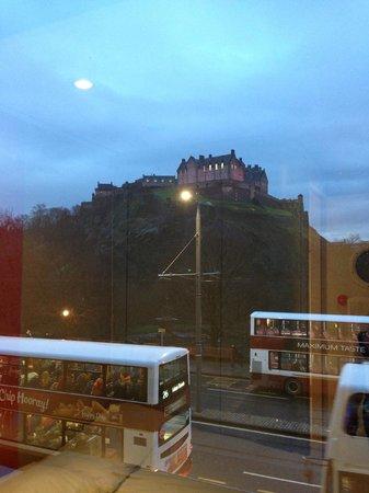easyHotel Edinburgh : View of Edinburgh Castle from room 1.9