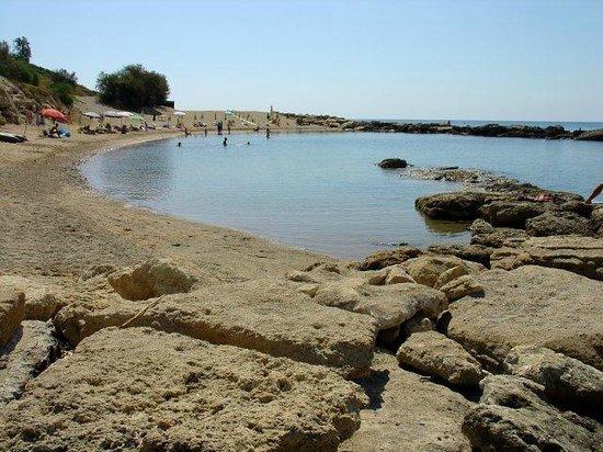 Villaggio Baia dei Greci: panoramica della spiaggia