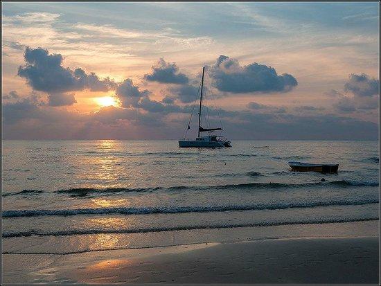 White Sand Beach: Sunset
