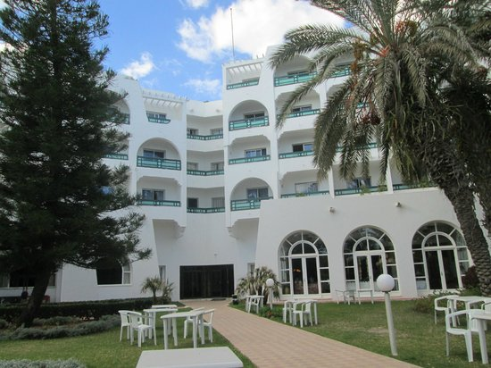 Marhaba Beach Hotel: view from grounds