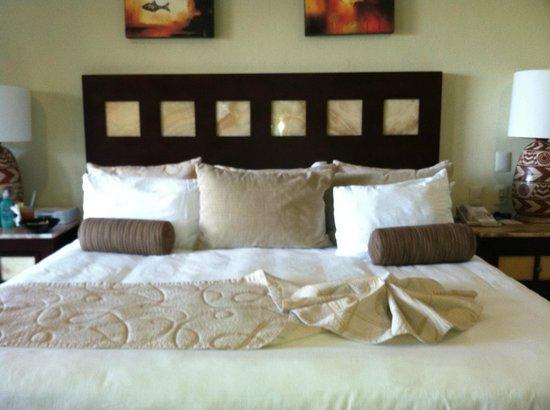 Villa del Palmar Cancun Beach Resort & Spa: most comfortable beds!!