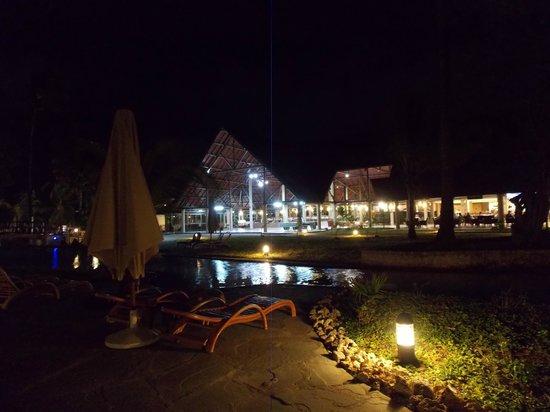 Amani Tiwi Beach Resort : Night View