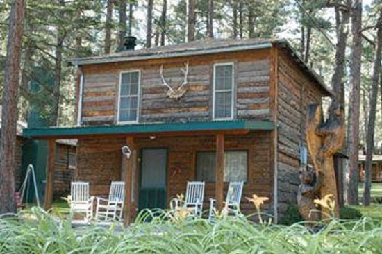 Forest Home Cabins: Located in Ruidoso's scenic Upper Canyon