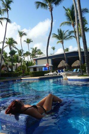 ClubHotel Riu Bambu: Suite de la piscine (il y en a une autre plus loin plus pour les enfants avec jeux)