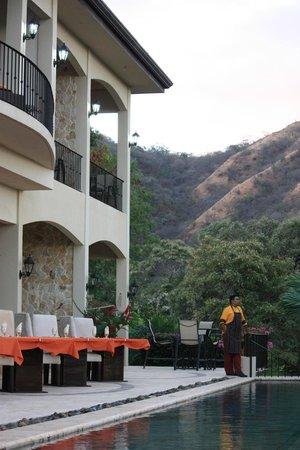Villa Buena Onda: Rear of the villa and ready for dining