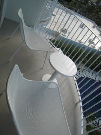 The Modern Honolulu: Balcony w/ AWESOMELY Comfortable Chairs