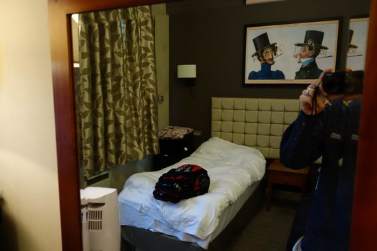 The Mad Hatter Hotel: Room with double bed