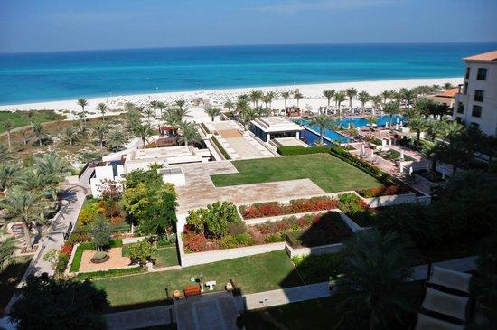 The St. Regis Saadiyat Island Resort: View over the complex