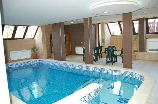Hotel Rusenski Lom: Pool