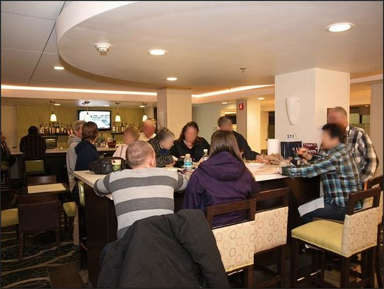 La Quinta Inn & Suites Springfield : Bar/Lobby