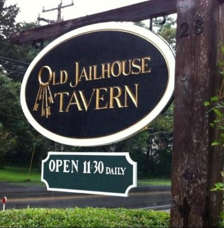 Jailhouse Tavern: Best restaurant on the Cape!