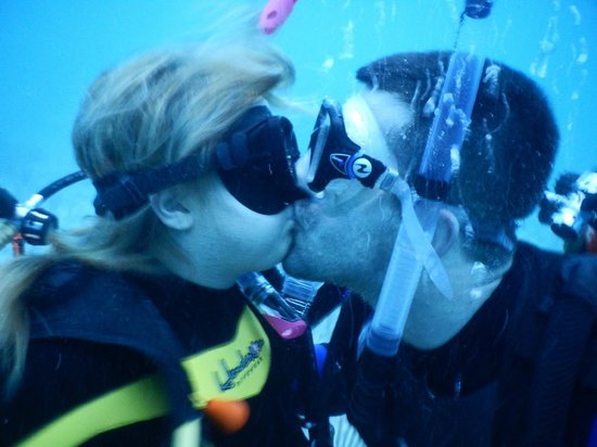 Always Diving & Water Sports: sharing a kiss with my fiance 50ft under water!