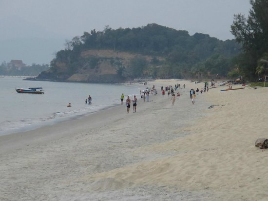 The Frangipani Langkawi Resort & Spa: Short walk to the action - if you that's what you want