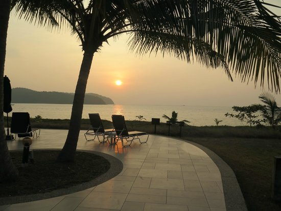 The Frangipani Langkawi Resort & Spa : Beautiful sunsets