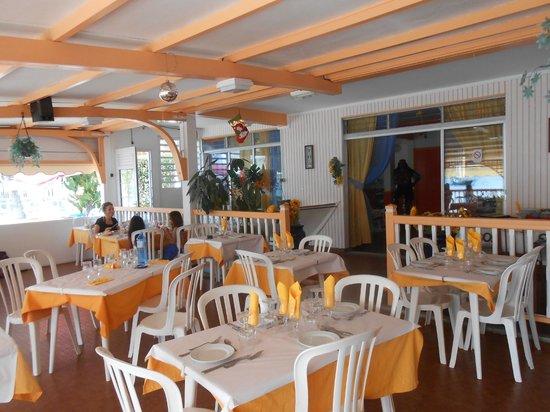 Hotel Kanaoa Les Saintes: La Salle de Restaurant.