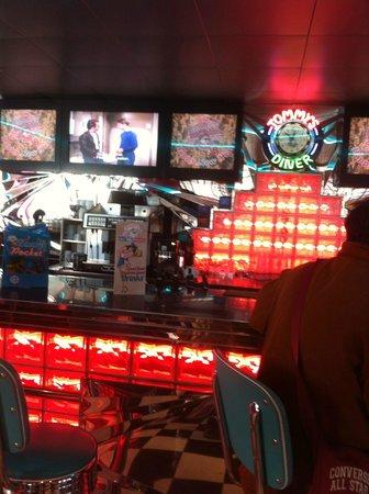 Tommy's Diner Le Pontet : bar