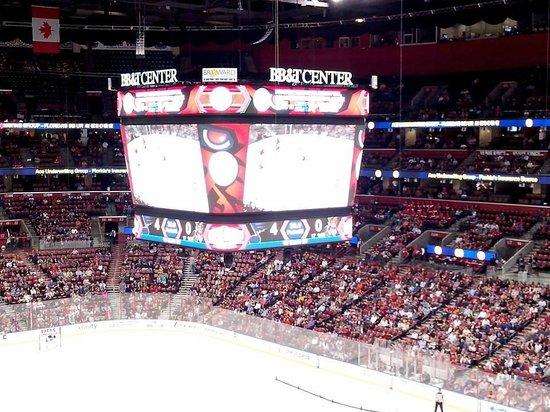 BB&T Center: Vista geral do segundo anel. Ótima visãodo jogo