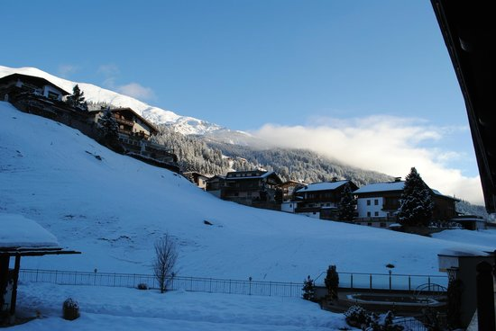 Hotel Alpin Spa Tuxerhof : Aussicht vom Balkon des Zimmers