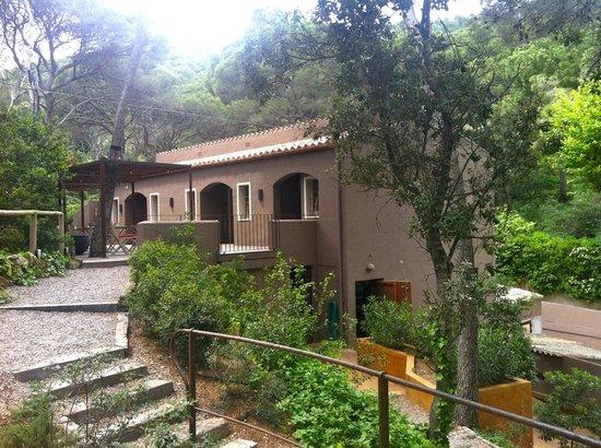 Restaurante Hostal Sa Rascassa: entrance to bedrooms