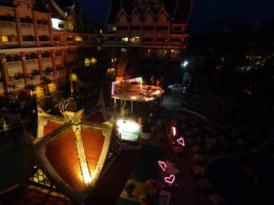 Aonang Ayodhaya Beach Resort: Christmas decoration and lighting