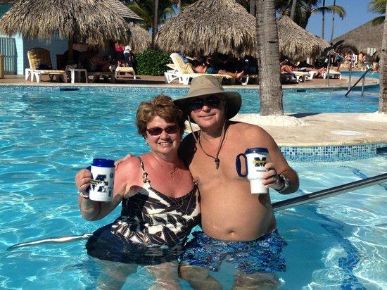 Iberostar Punta Cana : We made our own swimup bar!