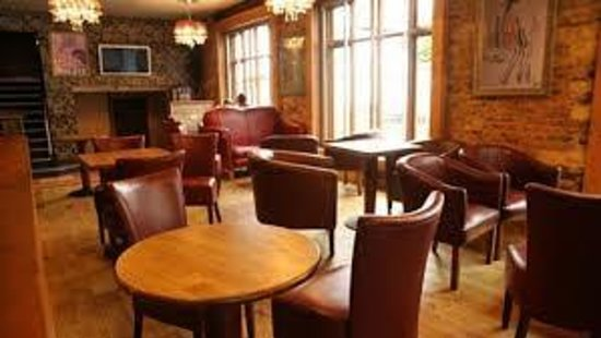 Society Lounge and Bar: chairs