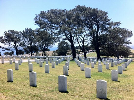 Point Loma: thousands of memorials