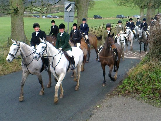 Tithe Barn Bed & Breakfast: Ladies at exercise Boxing Day