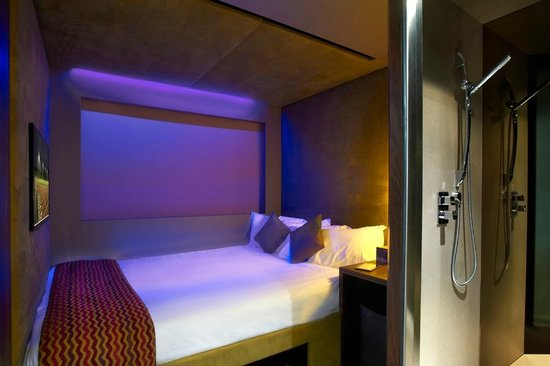 Bloc Cheap Rooms Gatwick