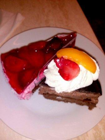 Paneria: Куски тортов, около 100гр,за два около 60 крн