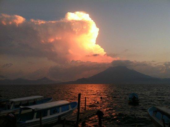La Iguana Perdida Hotel: Sunset...