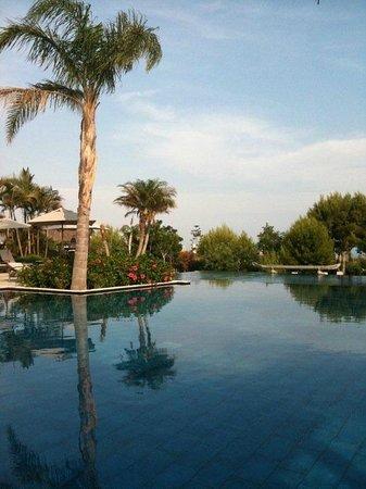 Asia Gardens Hotel & Thai Spa, a Royal Hideaway Hotel : Vista de una de las piscinas