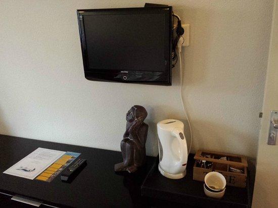 Hotel Waddenweelde: Kleine tv