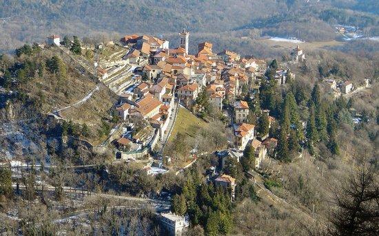 Varese, Italien: il borgo di santa Maria del monte