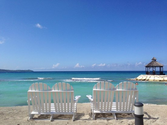 Secrets Wild Orchid Montego Bay: Beach side