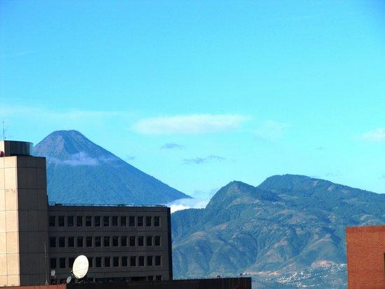 Clarion Suites Guatemala: Vista da suíte