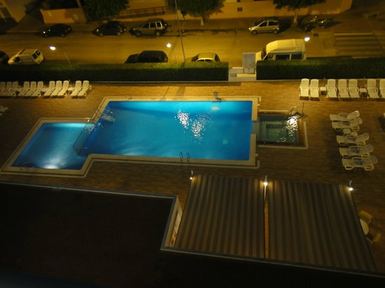 Hotel Gran Sol: View of the pool from our room