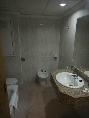 Hotel Gran Sol: Nice & Clean bathroom!
