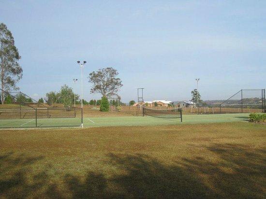 Bluebush Estate: The tennis court