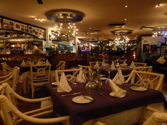 Cafe La Ola : Inside Restaurant La Ola upstairs