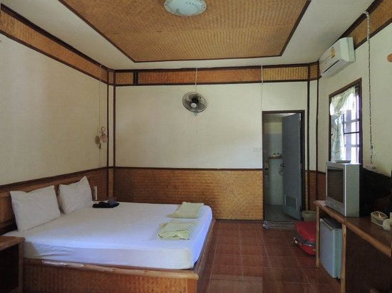 Oasis Yoga Bungalows: room c02