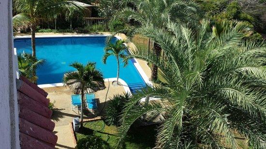 Hotel Atti: Piscina y jardines