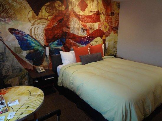 The Tangerine: King room