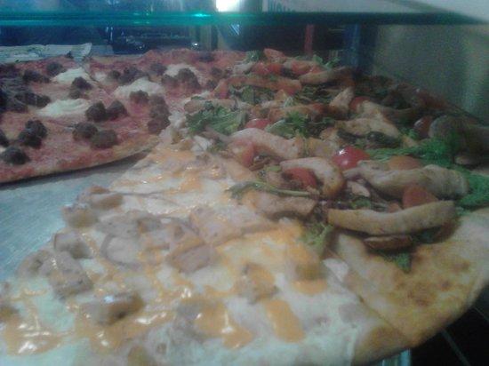 Napoli's Brick Oven Pizza : best pizza napolis